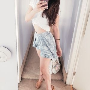 LE LIS Shorts - Velvet Ruffled Short